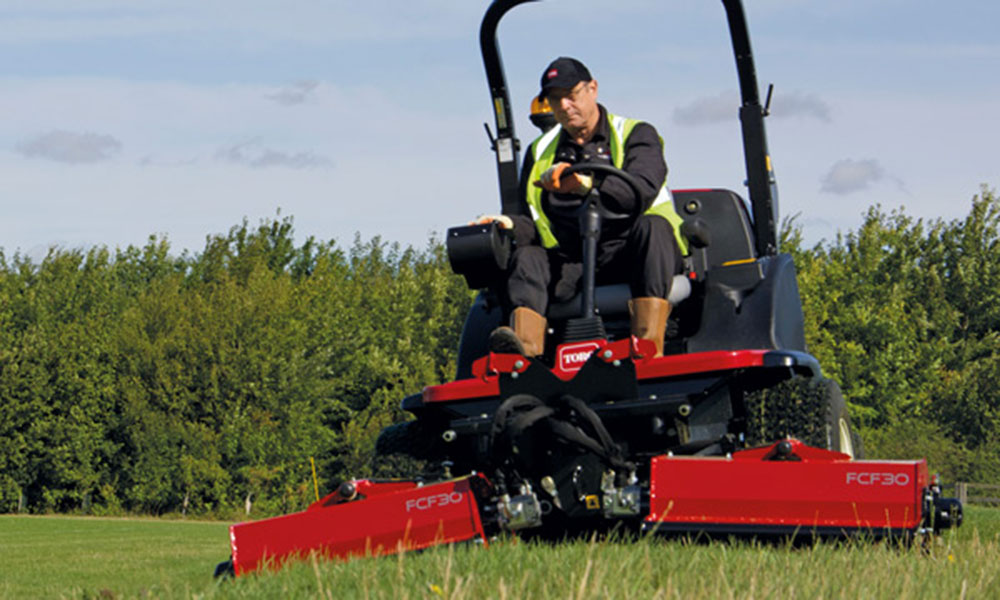 George Browns | Toro Flail Mower (LT-F3000 Ride-On Triple) - George